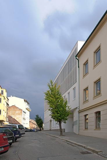 Construction adjustments and extension of block of flats in Francouzská str., Brno